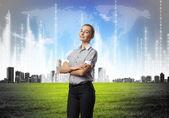 Affärskvinna agaisnt virtuella bakgrund — Stockfoto