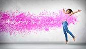 モダンなスタイルのダンサーのポーズ — ストック写真