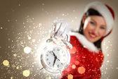 Weihnachten mädchen in nikolausmütze — Stockfoto