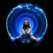 Business woman meditating — Stockfoto