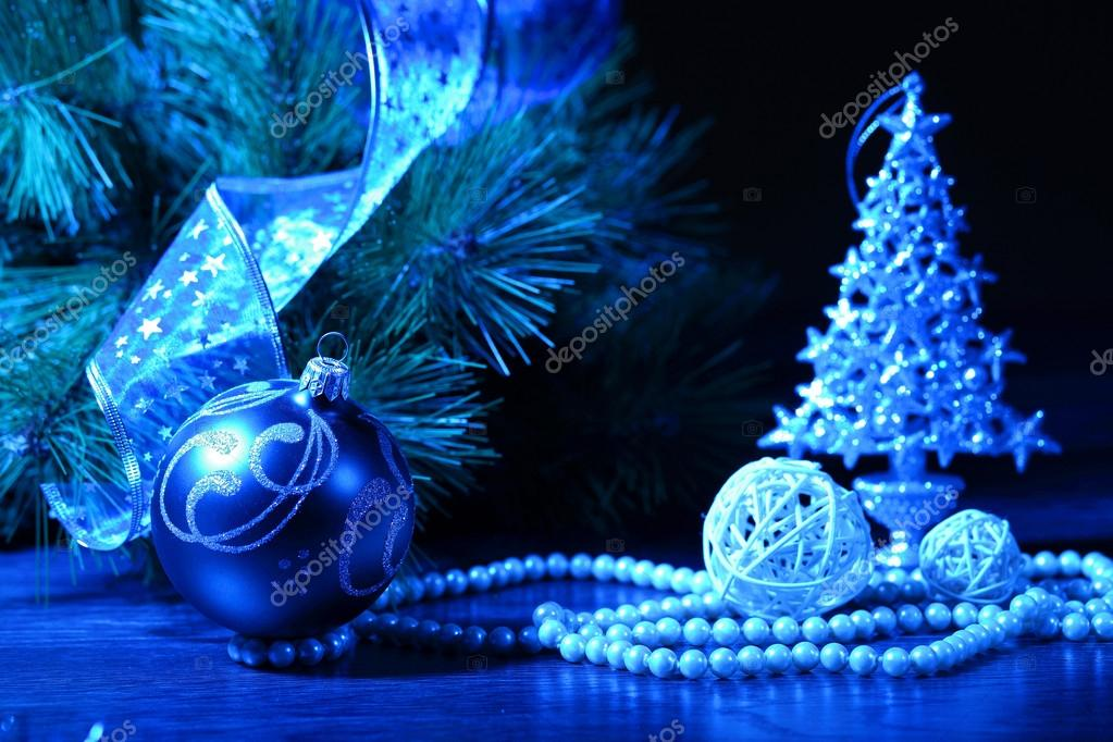 Beautiful christmas decorations for a christmas tree — Stock Photo #16371857