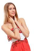 Piękne młode blond kobieta w czerwonej sukience — Zdjęcie stockowe