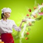 cuoco donna asiatica con coltello — Foto Stock