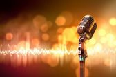 Audio microphone retro style — 图库照片