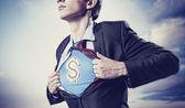 бизнесмен, показаны костюм супермена под рубашку — Стоковое фото