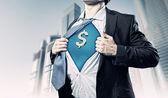 Kaufmann zeigen superman-anzug unter hemd — Stockfoto