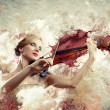 Gorgeous woman playing on violin — Foto Stock
