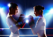 Två boxare kvinnor — Stockfoto