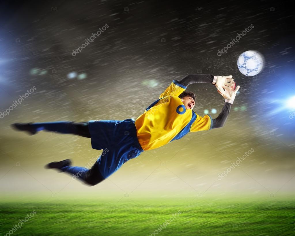 как ловить мяч в прыжке