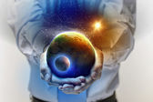 Earth planet in hands — Stock Photo