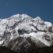 Snowy mountains — Stockfoto