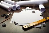 Outils et documents avec croquis — Photo