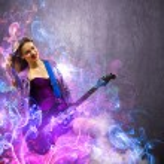 fille passionnée de rock avec des ailes noires — Photo #30424111
