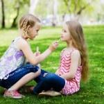 niñas en el parque — Foto de Stock   #41129091