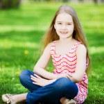 Little girl in park — Stock Photo #41140343
