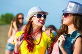 二人の若い女の子 — ストック写真