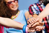 Friendship gesture — Stock Photo