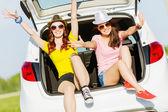 Twee jonge dames — Stockfoto