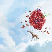 飞行的长颈鹿 — 图库照片