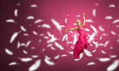 Woman dance in the air — Stockfoto