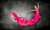 Woman dance in the air — 图库照片