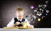 Girl discover world of knowledge — Foto de Stock