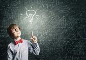 Smart skolpojke — Stockfoto