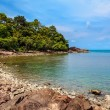 Rocky shore of the island of Koh Chang in Thailand — Stock Photo