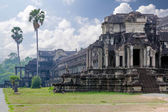 De eeuwenoude architectuur van angkor wat tempel in cambodja — Stockfoto