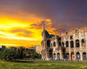 The Roman Coliseum at sunset. — Stock Photo