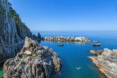 Rocky cove in Manarola — Stok fotoğraf