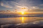 Sunset on the beach of Patong. Phuket Island. Thailand. — Stock Photo