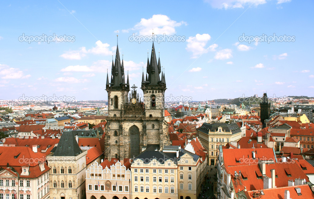 Old Town Square, Tyn Church, Prague — Stock Photo #13411087