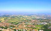 Krásná italská krajina. pohled z san marino — Stock fotografie