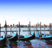 Gondoler i venedig, italien — Stockfoto