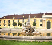 Fountain at Schonbrunn Palace, Vienna — Stock Photo