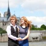 Young beautiful couple in Paris, enjoying their walk — Stock Photo