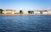 The Neva embankment. Saint-Petersburg, Russia — Stock Photo