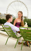 Romantic couple in Paris in Tuileries garden — Stock Photo