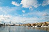 Vista del porto vecchio di marsiglia. ampio angolo girato — Foto Stock