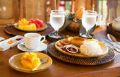 Traditional Philippino breakfast with garlic rice — Stock Photo