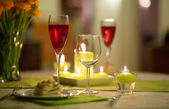 Delicious starter served with cocktail — Stock Photo