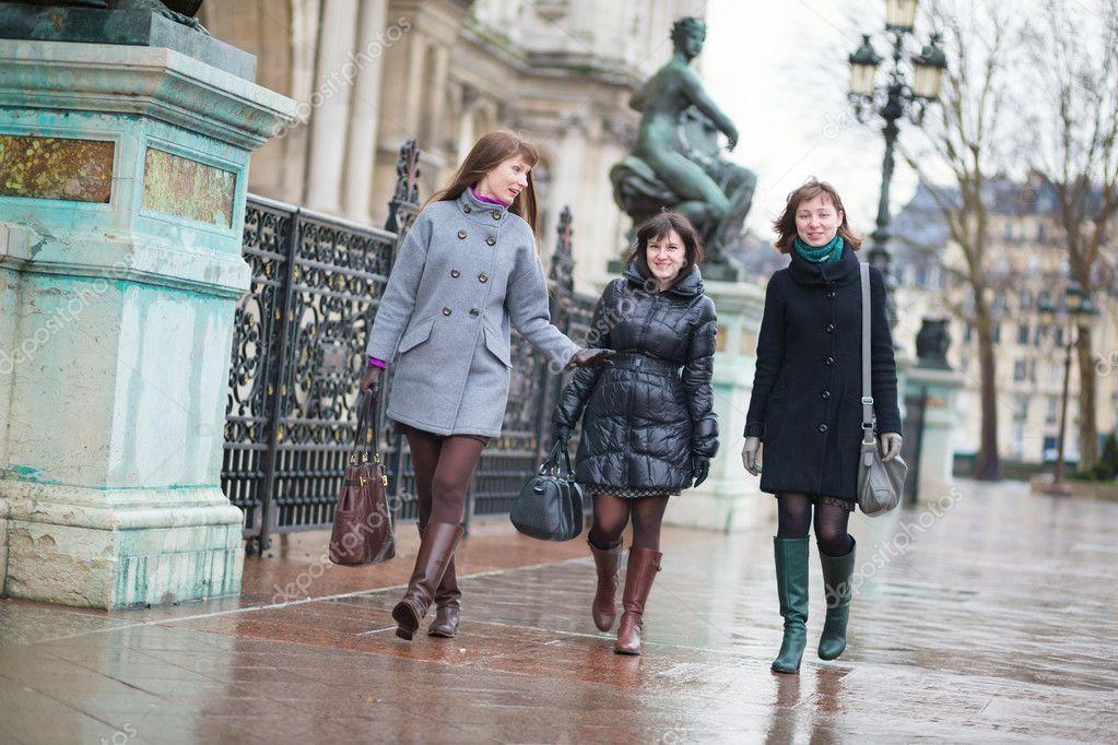 Фото французских девушек на улице