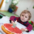 Little boy with birthday cake — Stock Photo #29663151