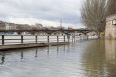 Flooded Parisian embankments — Stock Photo