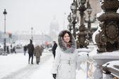 Smiling girl in Paris — Stock Photo
