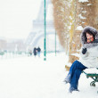 Girl enjoying a snow day in Paris — Stock Photo