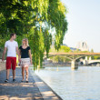 Dating couple in Paris — Foto de stock #39081577