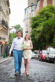 Just married couple on Montmarte — Stock fotografie