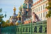 Happy couple in St.Petersburg, Russia — Stock Photo